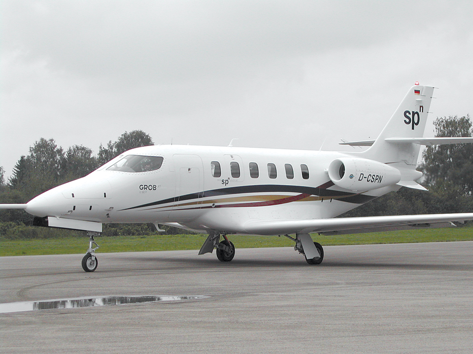 Grob SPn prototype taxiing